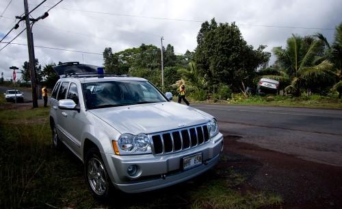 Hawaii County police and a fire units responded to a single vehicle accident on Kaloli Drive near 15th Avenue. (Photo by Baron Sekiya/Hawaii247.com)