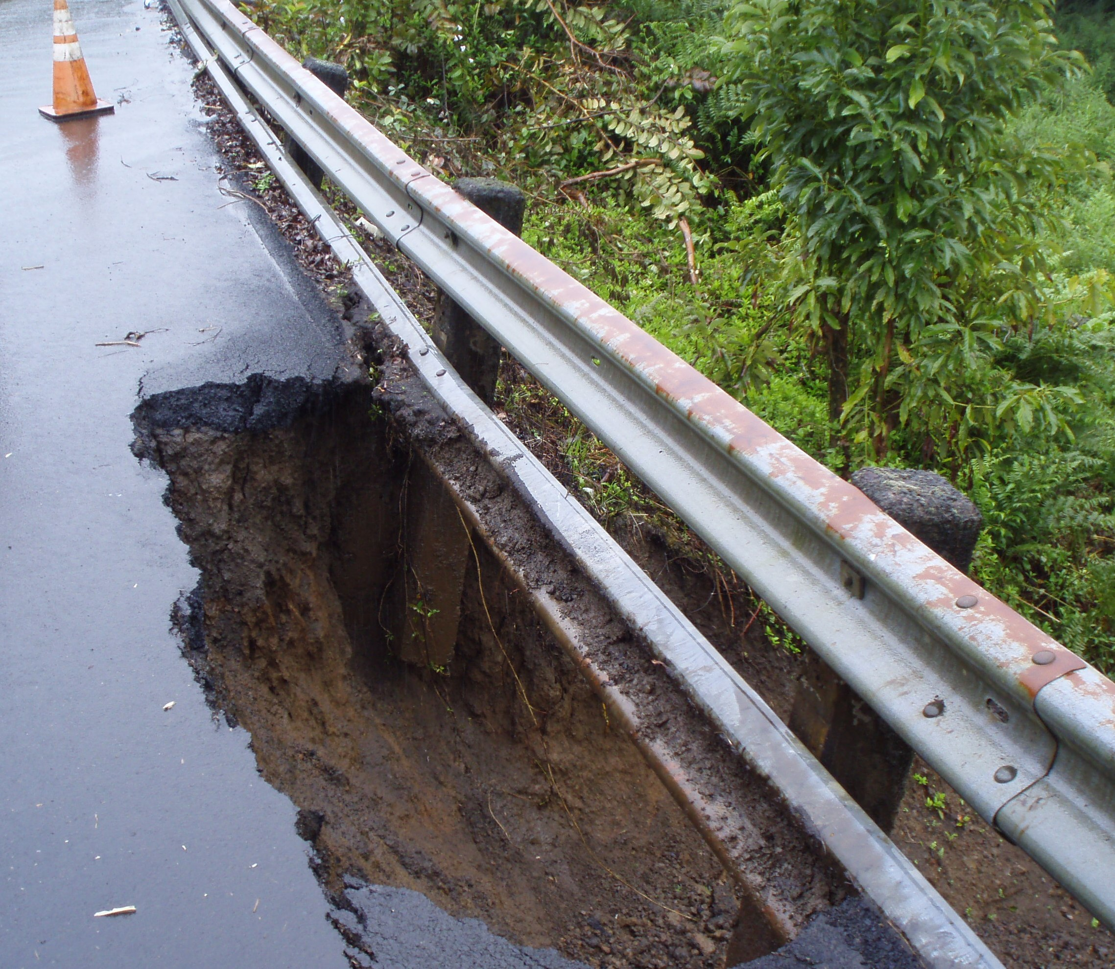 Kaiwiki Road under repair in North Hilo