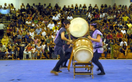 Students, parents, friends and faculty packed the gym to see Kona Daifukuji Taiko drummers, led by Akemi Iwamoto and Justin Fernandez.