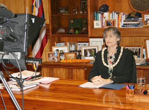 Gov. Linda Lingle prepares to give her Web address Wednesday, May 6. (Photo courtesy of the Governor's Office)