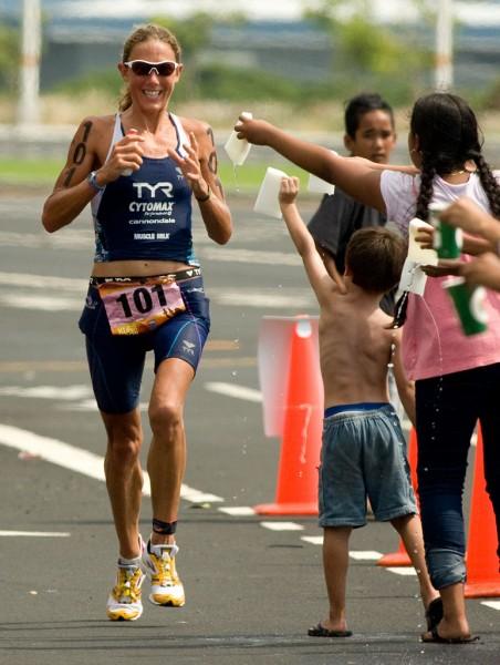 Chrissie Wellington on the marathon leg in Kailua-Kona of the Ford Ironman Triathlon World Championship. Photography by Baron Sekiya for Hawaii 24/7.