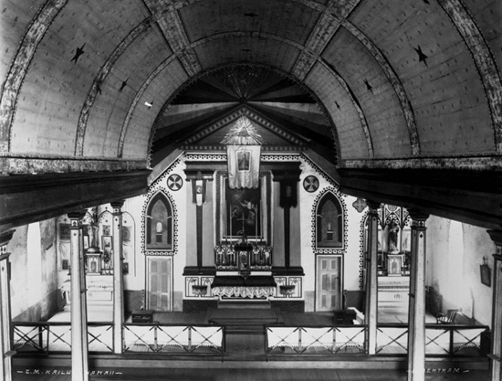 Original interior of St. Michael the Archangel Church, Kailua-Kona, date unknown. (Photo courtesy of the Society of Mary)