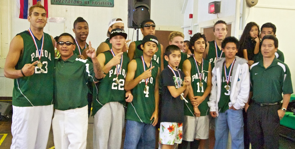 Green-and-White Day will be celebrated in Pāhoa on Saturday, March 20, with a parade to honor the Pāhoa High School boys basketball team, winners of the state Division II championship on March 6 in Honolulu.