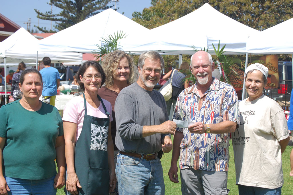 Every Saturday morning Parker School's campus is home to an enthusiastic group of farmers and artisans who bring the fruit of their labor to the Waimea Town Market. This volunteer-run market raised $16,000 for Parker School programs through the end of last year.