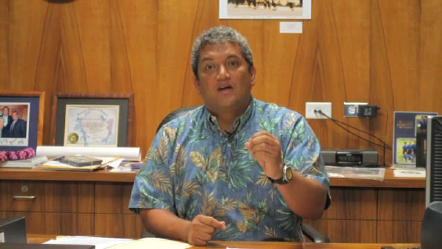 Mayor Billy Kenoi has expressed disappointment with budget amendments offered by minority members of the Hawaii County Council, pointing out that these Council members want to raise tipping and other fees that will hurt small businesses and consumers.