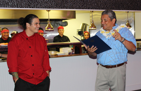 Chef Ippy Aiona and Mayor Billy Kenoi. (Photo by Karin Stanton | Hawaii 24/7)