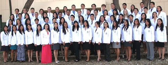 JABSOM MD Class of 2017 (Photo courtesy of UH)