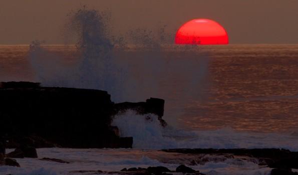 Sunset in Kona off Honokohau Harbor with the Winter temperature here at 81ºF. Photography by Baron Sekiya | Hawaii 24/7