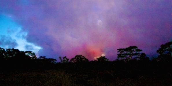 The glow from the Kilauea June 27th Lava Flow could be seen from Cemetery Road in Pahoa Sunday night (Sept 21). Photography by Baron Sekiya | Hawaii 24/7