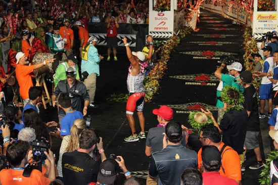 Billy Kenoi ... You are an Ironman. (Hawaii 24/7 photo by Karin Stanton)
