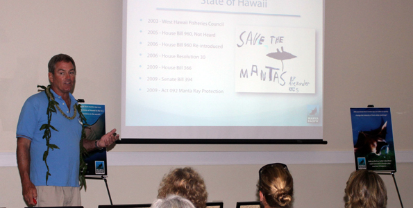 Keller Laros talks about his work to protect the West Hawaii manta ray population. (Hawaii 24/7 photo by Karin Stanton)