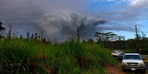A dense plume of smoke above Leilani Estates as lava pours out of new vent sites. Photo taken at 6:29 a.m. Sunday, May 6, 2018. Photo by Steven Royston | Special to Hawaii 24/7