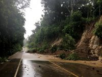 Landslide and debris on Akoni Pule Highway (Route 270) in North Kohala. Photo courtesy HDOT.