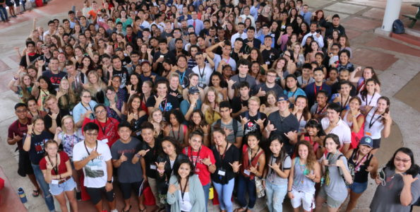 UH Hilo's Fall 2018 entering class during Orientation Week. Photo courtesy of UH Hilo